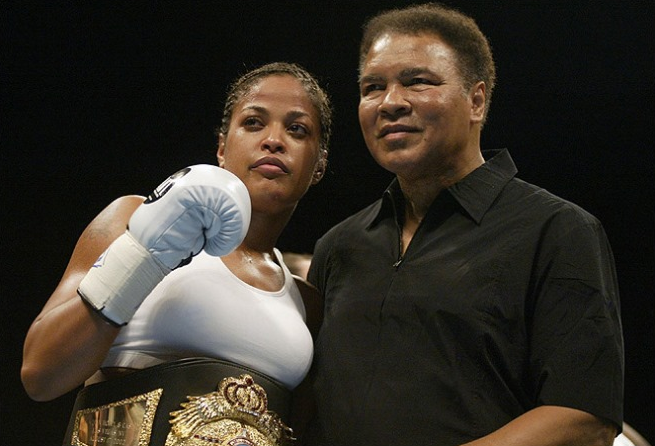 Мохаммед Али с дочерью Лейлой.png